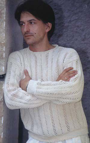 Модель и схема вязания спицами свитера для мужчин.