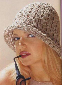 вязание шапки из кусочков норки.