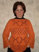 Оранжевый пуловер