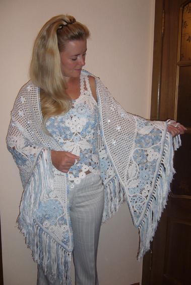 Dantel Motiften Askılı Bluz Örneği