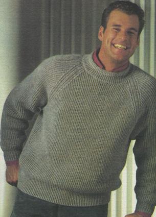 вязание спицами пуловер серый