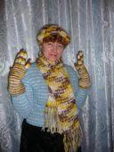 Берет, шарф и перчатки
