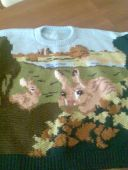 Пуловер с зайцами
